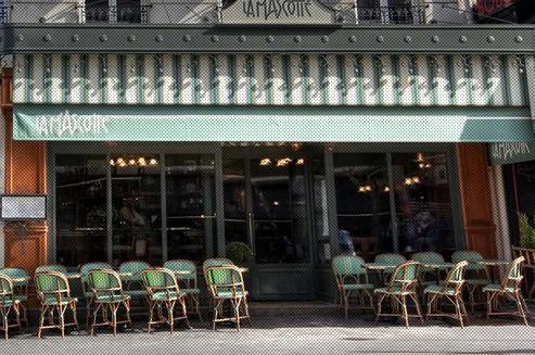 La mascotte une remarquable brasserie de la butte montmartre for Restaurant miroir montmartre