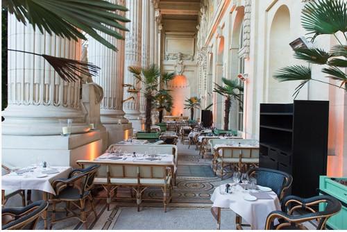 le mini palais l 39 agr able restaurant du grand palais par eric frechon. Black Bedroom Furniture Sets. Home Design Ideas