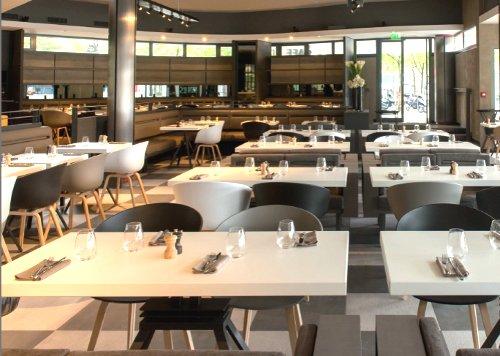 caf des concerts chaleureux restaurant la villette paris. Black Bedroom Furniture Sets. Home Design Ideas