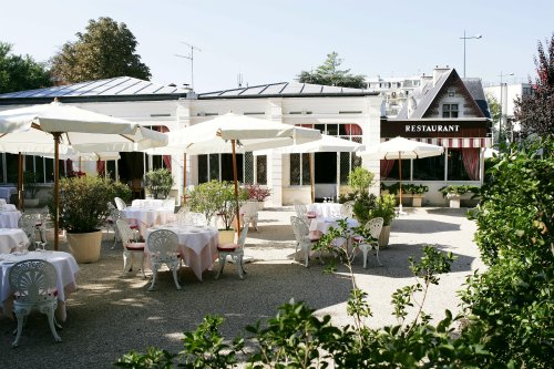 le pavillon des princes un super restaurant avec une terrasse idyllique. Black Bedroom Furniture Sets. Home Design Ideas