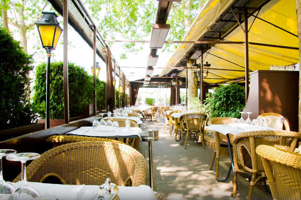 Terrasse Paris 17 Restaurant Cartier Love Online
