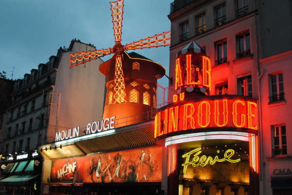 Le Nouvel An au Moulin Rouge