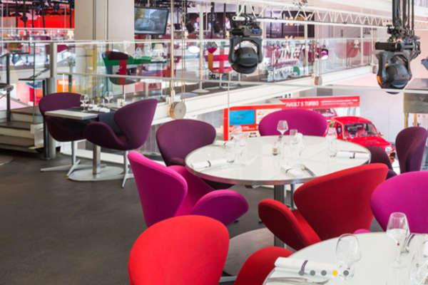 Atelier Renault café à Paris, Métro Franklin Roosevelt