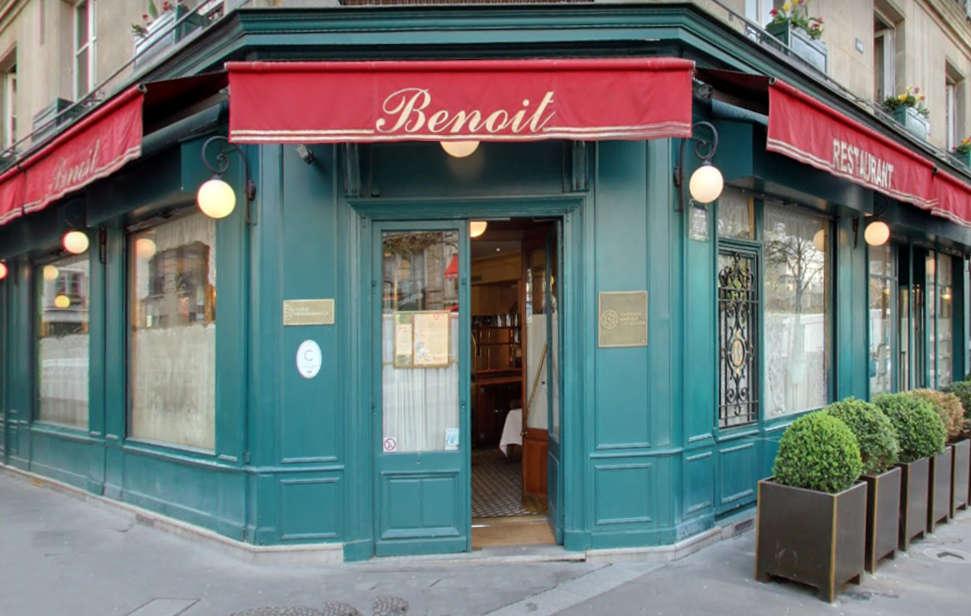 Benoit, la façade de ce remarquable bistro étoilé de la rue Saint Martin à Paris 4e