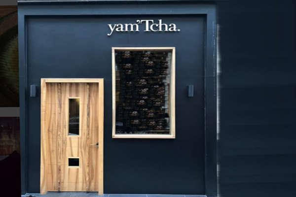 yam 39 tcha aux halles le restaurant toil d 39 adeline grattard. Black Bedroom Furniture Sets. Home Design Ideas