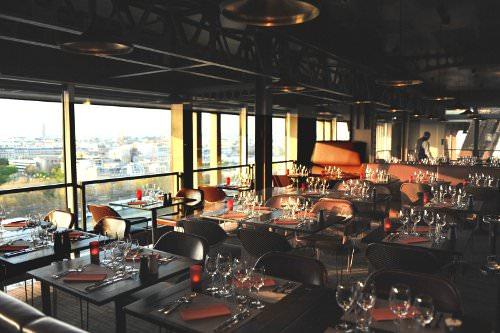 58 tour eiffel un restaurant futuriste perch sur la tour eiffel. Black Bedroom Furniture Sets. Home Design Ideas
