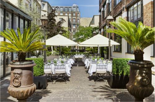 Les jardins du marais avec une superbe terrasse bucolique for Resto paris terrasse jardin