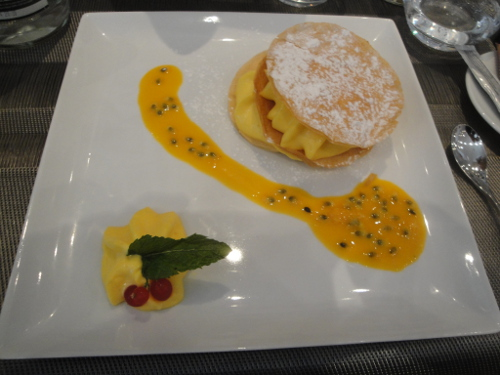Restaurant Touch In : le  millefeuille mangue passion