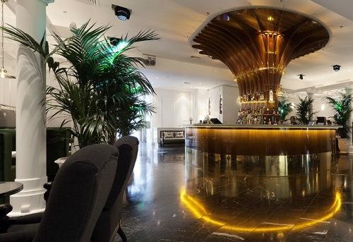 Le standard un restaurant bar musical tendance la - Restaurant le congres paris porte maillot ...