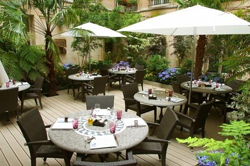 Caf faubourg ce restaurant a t rebaptis les collections - Restaurant terrasse ou jardin paris limoges ...
