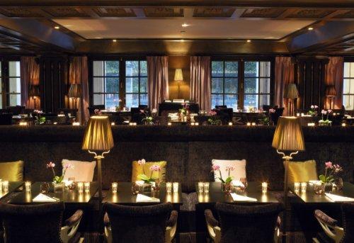 First, agréable restaurant de l'Hôtel Westin